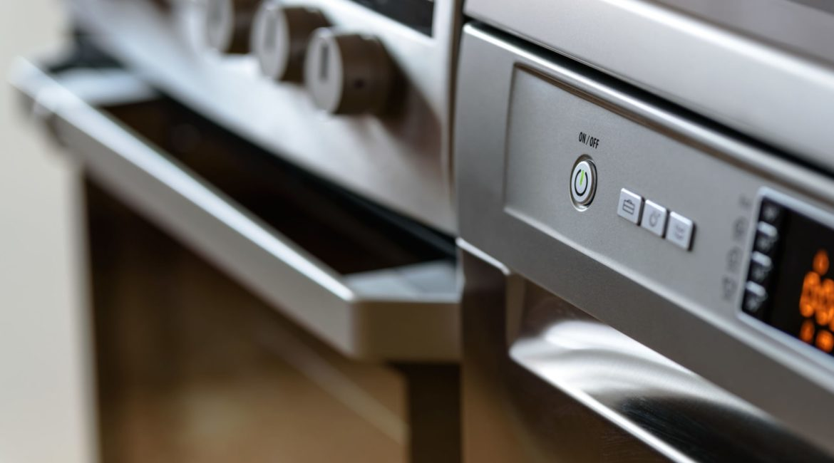 5 Top Tips To Keep Your Oven Sparkling Clean 1