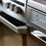 5 Top Tips To Keep Your Oven Sparkling Clean