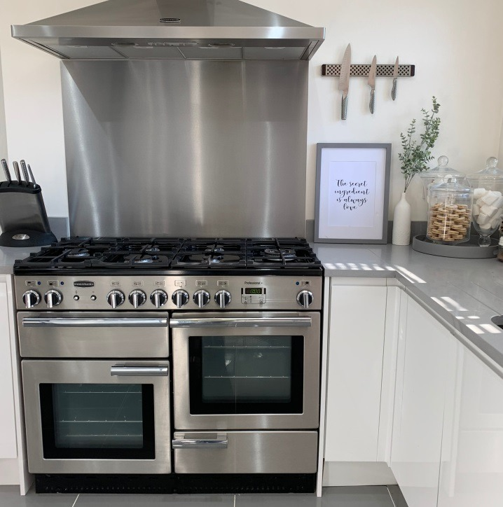 Range oven cooker cleaning